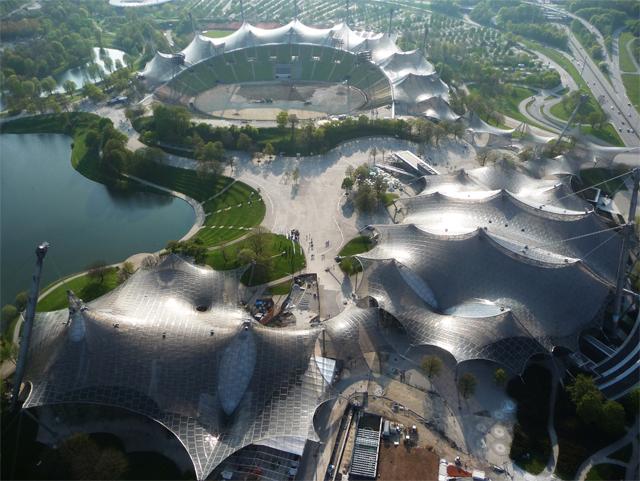 Coberturas para principais instalações esportivas do Parque Olímpico de Munique para os Jogos Olímpicos de Verão de 1972, 1968-1972 Munique, Alemanha Foto © Christine Kanstinger